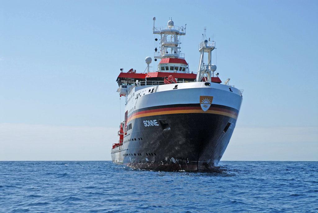 Forschungsschiff SONNE © Peter Linke; GEOMAR Helmholtz-Zentrum für Ozeanforschung Kiel